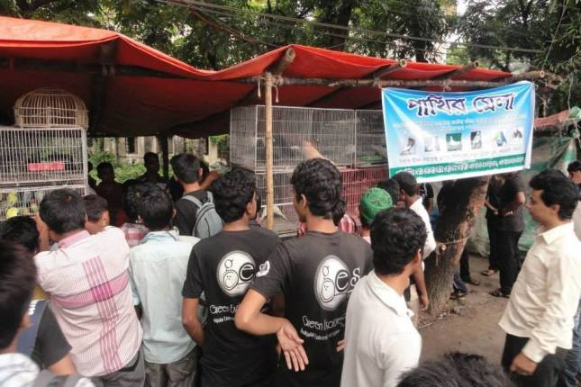 Green Explore Society arrives at the bird fair (photo courtesy of Animesh Ghose and GES)